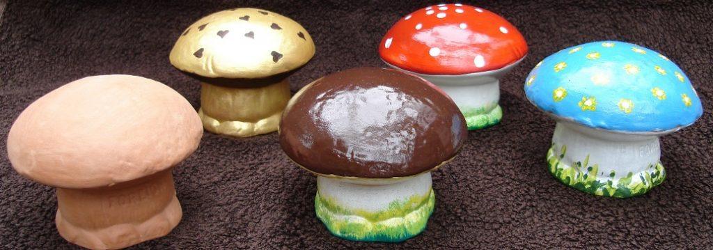 Terracotta paddenstoelen